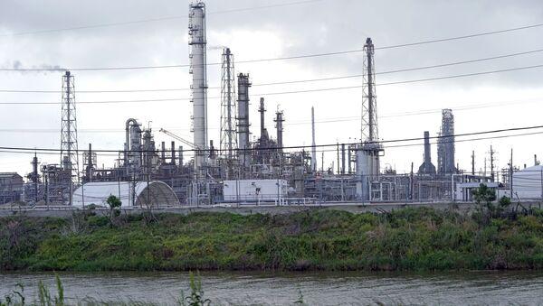 Рафинерија нафте Мотива у Порт Артуру у америчкој држави Тексас - Sputnik Србија