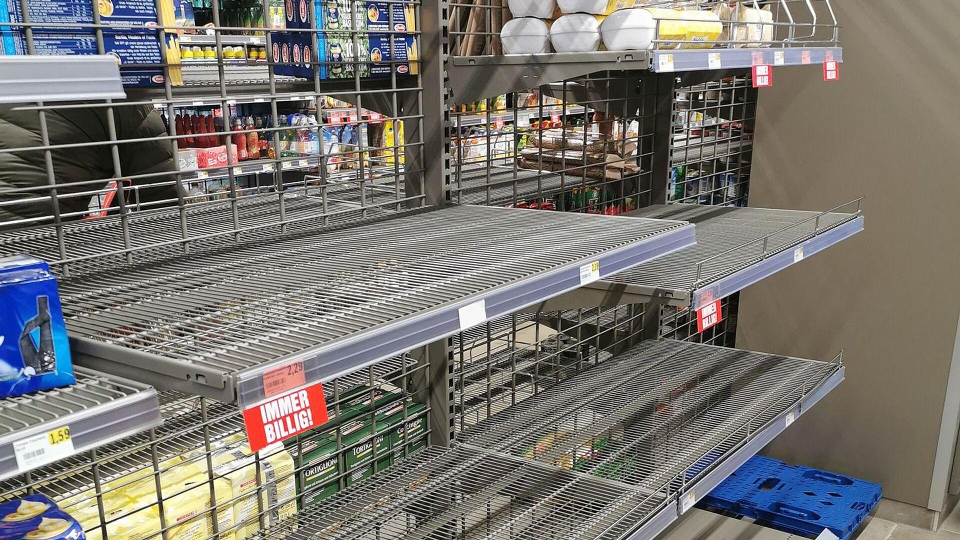 Празни рафови у супермаркету - Sputnik Србија, 1920, 03.08.2021