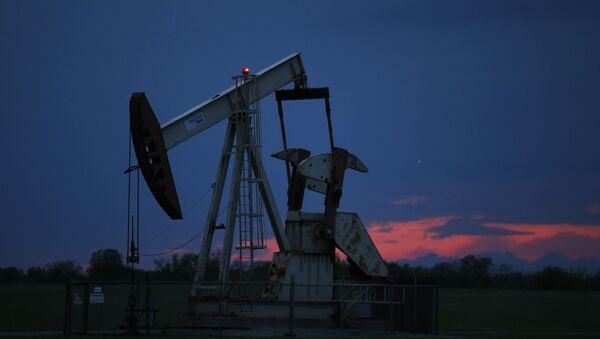 Naftna pumpa na nalazištu u Oklahomi - Sputnik Srbija