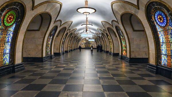 Stanica moskovskog metroa za vreme mera samoizolacije zbog epidemije virusa korona kovid 19 u Rusiji - Sputnik Srbija
