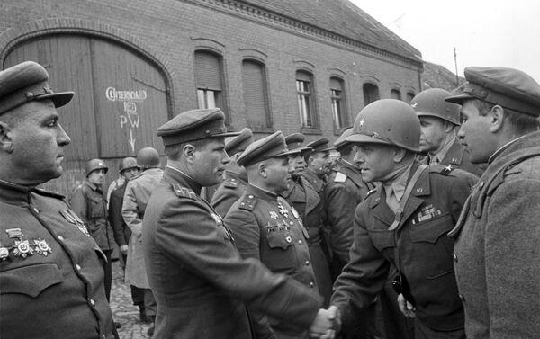 Сусрет америчких и совјетских снага на Елби, 1945. година - Sputnik Србија