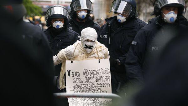 Протест у Берлину - Sputnik Србија