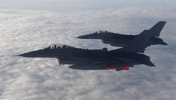Авиони Ф-16 на вежбама НАТО-а у Литванији - Sputnik Србија