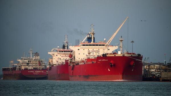 Naftni tankeri usidreni u lici u meksičkoj državi Verakruz - Sputnik Srbija
