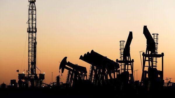 Naftne platforme na nalazištu nafte u Teksasu - Sputnik Srbija