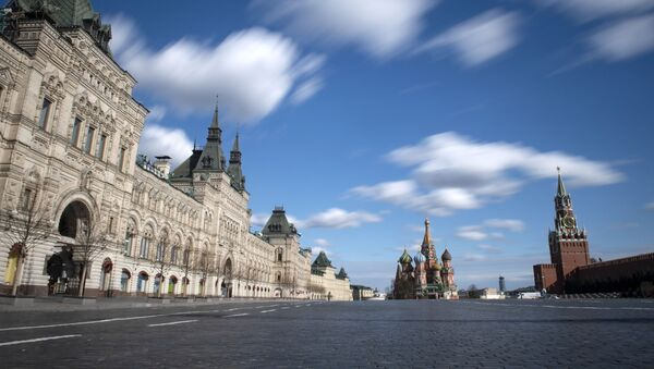 Prazan Crveni trg u Moskvi tokom režima samoizolacije zbog epidemije virusa korona kovid 19. - Sputnik Srbija