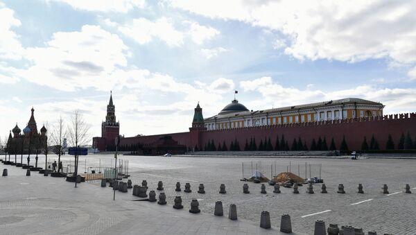 Празан Црвени трг у Москви за време карантина уведеног због епидемије вируса корона - Sputnik Србија