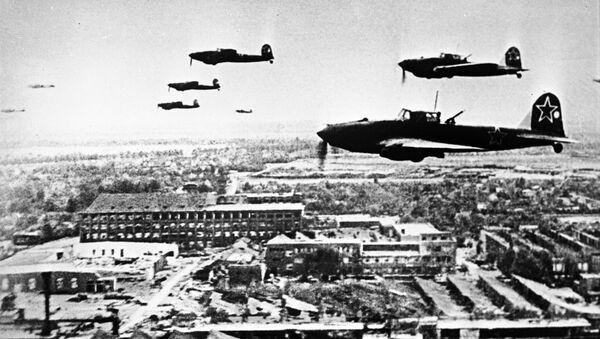 Совјетски авиони Ил-2 над Берлином - Sputnik Србија