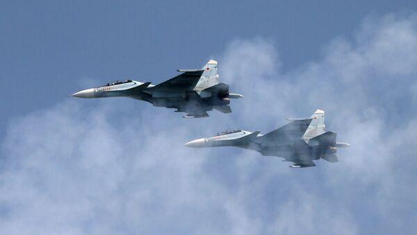 Višenamenski lovci Su-34  - Sputnik Srbija