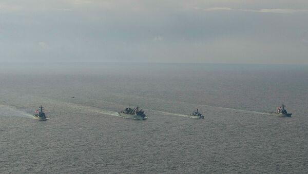 """Razarači američke Ratne mornarice """"Porter"""", """"Donald Kuk"""" i """"Frenklin Ruzvelt"""" i britanska fregata """"Kent"""" tokom obuke u Barencovom moru - Sputnik Srbija"""