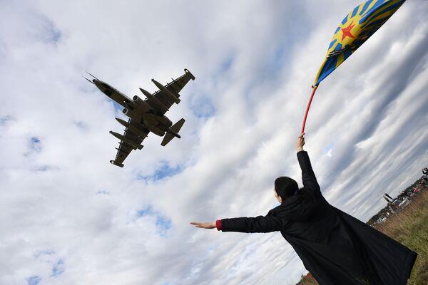 Su-25 na avio-spektaklu u čast Dana pobede na aerodromu Kubinka - Sputnik Srbija