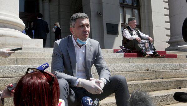 Štrajk glađu poslanika pred skupštinom - Sputnik Srbija