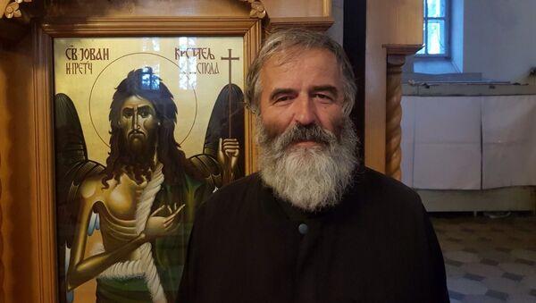 Sveštenik Miodrag Todorović iz Nikšića - Sputnik Srbija