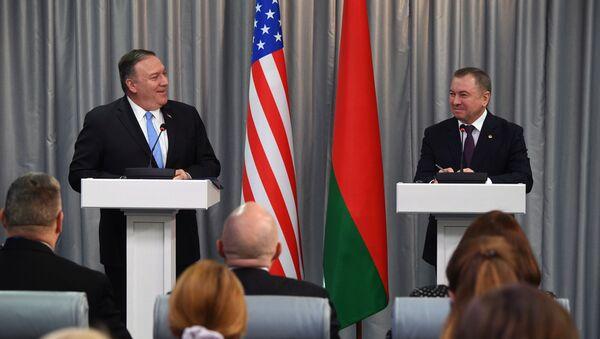 Američki državni sekretar Majk Pompeo i ministar spoljnih poslova Belorusije Vladimir Makej u Minsku - Sputnik Srbija