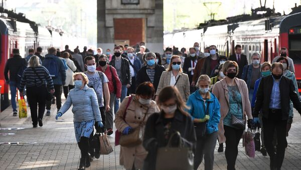 Putnici na železničkoj stanici u Moskvi - Sputnik Srbija