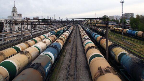 Železničke cisterne za prevoz naftnih derivata na stanici u Krasnodaru - Sputnik Srbija