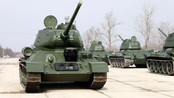 Tenkovi T-34 u fabrici za remont u Sankt Peterburgu - Sputnik Srbija