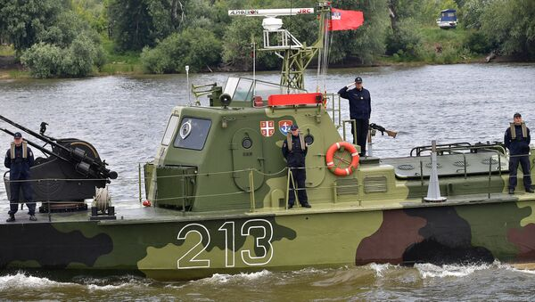 Pripadnici Rečne flotile Vojske Srbije na beogradskom Ušću - Sputnik Srbija