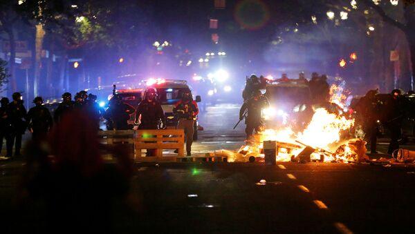 Протести у Минеаполису - Sputnik Србија