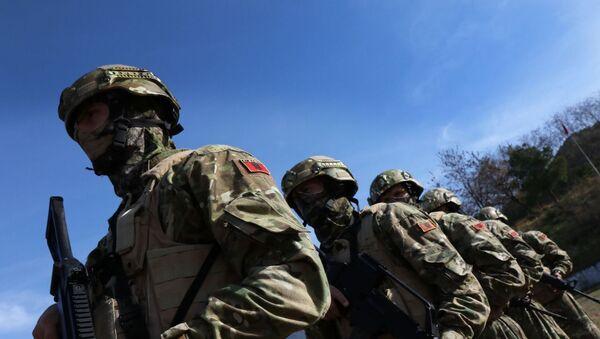 Vojnici Albaniji spremaju se ua učešće u misiji Kfora na Kosovu i Metohiji  - Sputnik Srbija