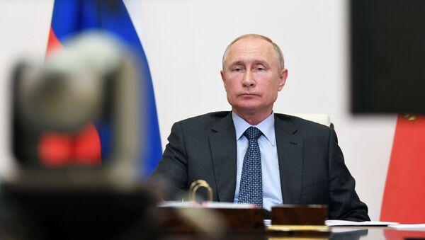 Ruski predsednik Vladimir Putin tokom video-konferencije - Sputnik Srbija