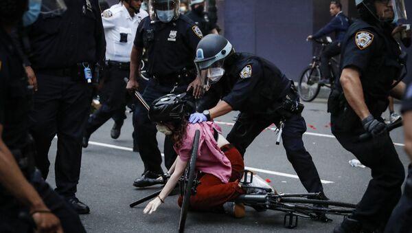 Протест у Њујорку - Sputnik Србија