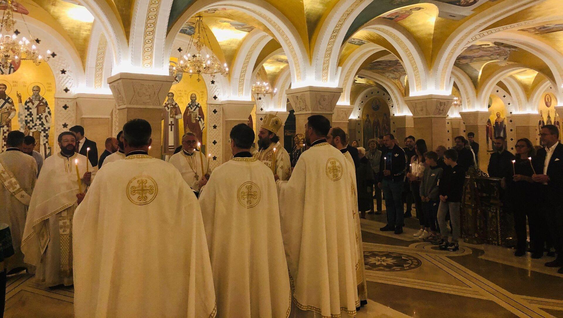 У крипти Храма Светог Савет служен је четрдесетодневни парастос ставрофору Момчилу Кривокапићу - Sputnik Србија, 1920, 10.02.2021