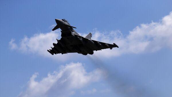Avion britanskog Kraljevskog vazduhoplovstva Tajfun  - Sputnik Srbija