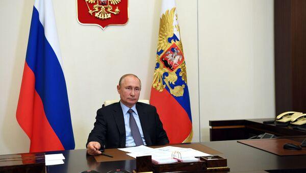 Председник Русије на састанку са културним делатницима - Sputnik Србија