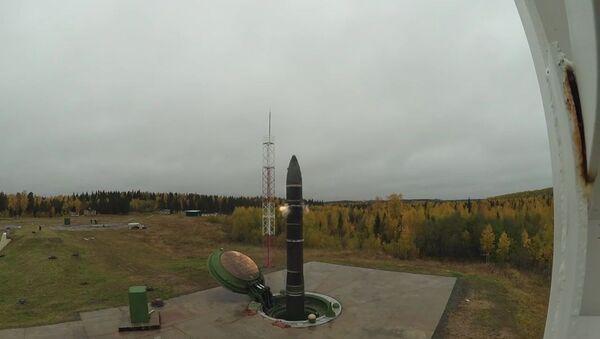 Лансирање балистичке ракете Топољ М са космодрома Плесецк у Ахрангелској области - Sputnik Србија