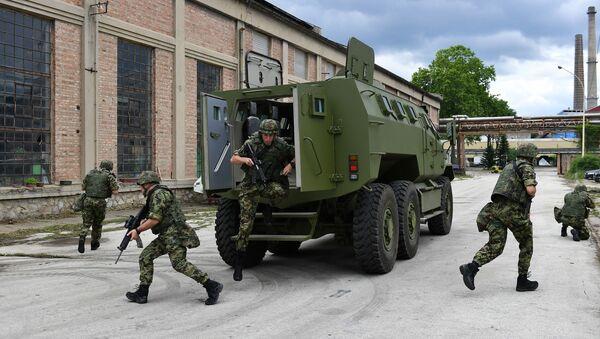 Оклопно борбено возило М-20 МРАП 6x6 - Sputnik Србија