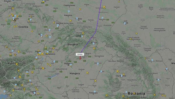 Avion u kojem se nalazi Lavrov se kreće ka Beogradu - Sputnik Srbija