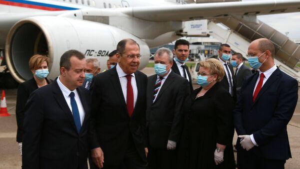 Dolazak ruskog ministra Sergeja Lavrova u Beograd i doček zvaničnika na aerodromu - Sputnik Srbija