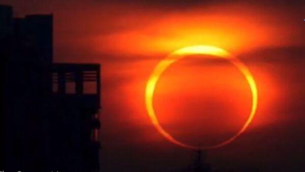 Ватрени прстен приликом помрачења Сунца - Sputnik Србија