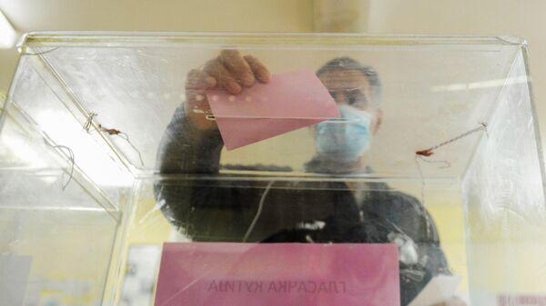 Glasanje na izborima u Srbiji - Sputnik Srbija