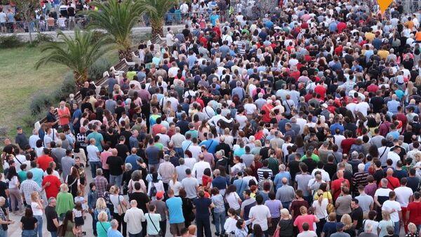 Велики број грађана у Бару  - Sputnik Србија