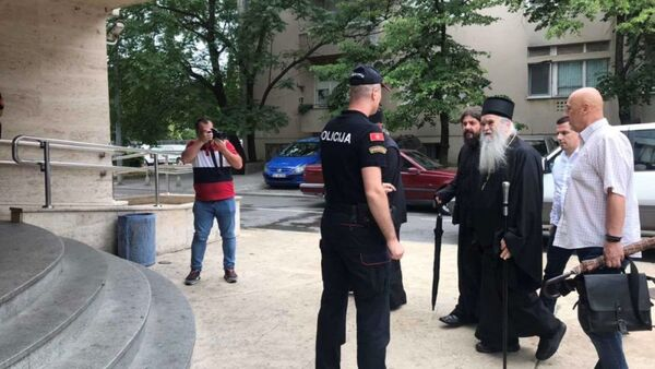 Митрополит Амфилохије долази у подгоричку полицију - Sputnik Србија