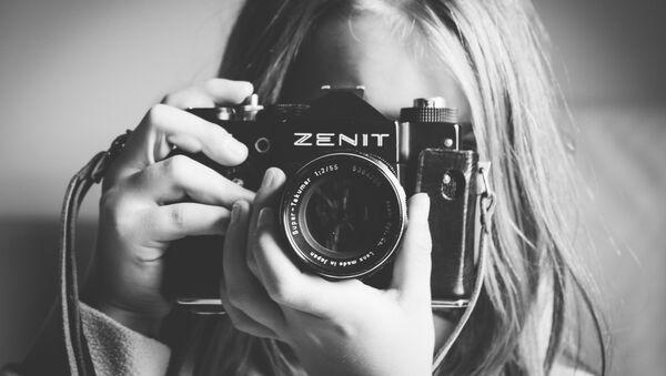 Sovjetski fotoaparat Zenit - Sputnik Srbija