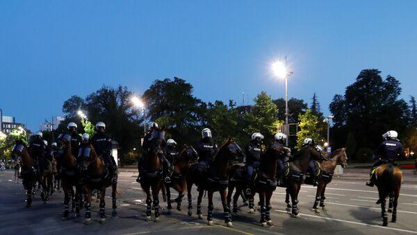 Konjička policija tokom protesta u Beogradu - Sputnik Srbija