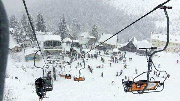 """Инекс ски-центар Брезовица"""", поред три хотела за смештај, има и девет жичара, са стазама до 2.500 метара надморске висине. - Sputnik Србија"""