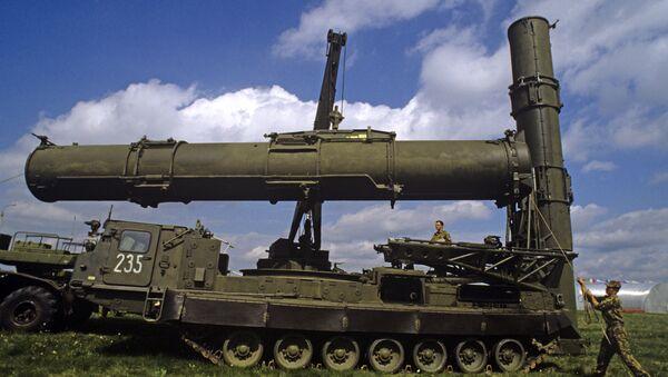 """Првобитна одлука о прекиду испуњавања уговора о испоруци """"С-300"""" Ирану била је донета ради подршке удруженим напорима """"шесторке"""" међународних посредника у преговорима о Иранском нуклеарном програму. - Sputnik Србија"""