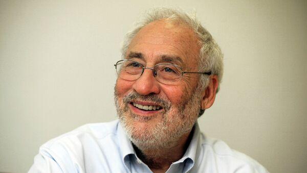 Džozef Štiglic, laureat Nobelove nagrade za ekonomiju profesor Kolumbijskog univerziteta - Sputnik Srbija