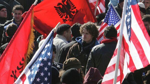 Priština - Albanske i Američke zastave - Sputnik Srbija