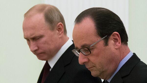 Председници Француске и Русије, Франсоа Оланд и Владимир Путин - Sputnik Србија
