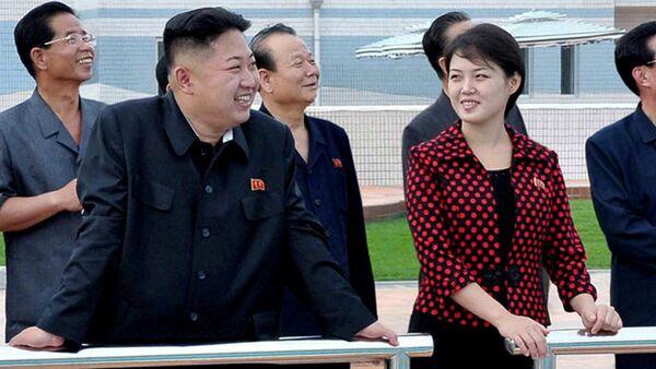 Kim Džong Un sa suprugom - Sputnik Srbija