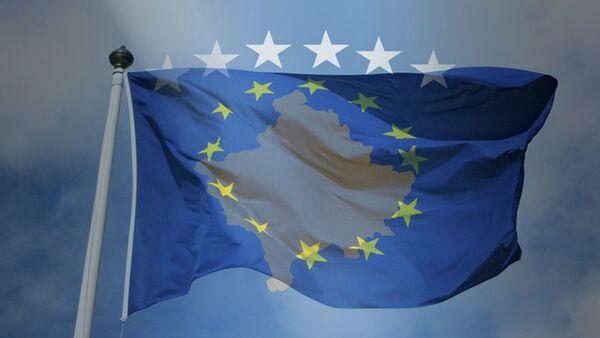 Заставе самопроглашене републике Косово и ЕУ - Sputnik Србија