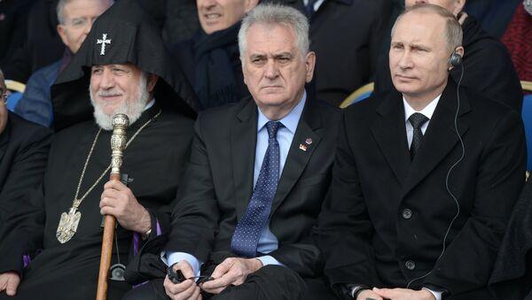 Николић у Јеревану на обележавању стогодишњице геноцида над Јерменима - Sputnik Србија