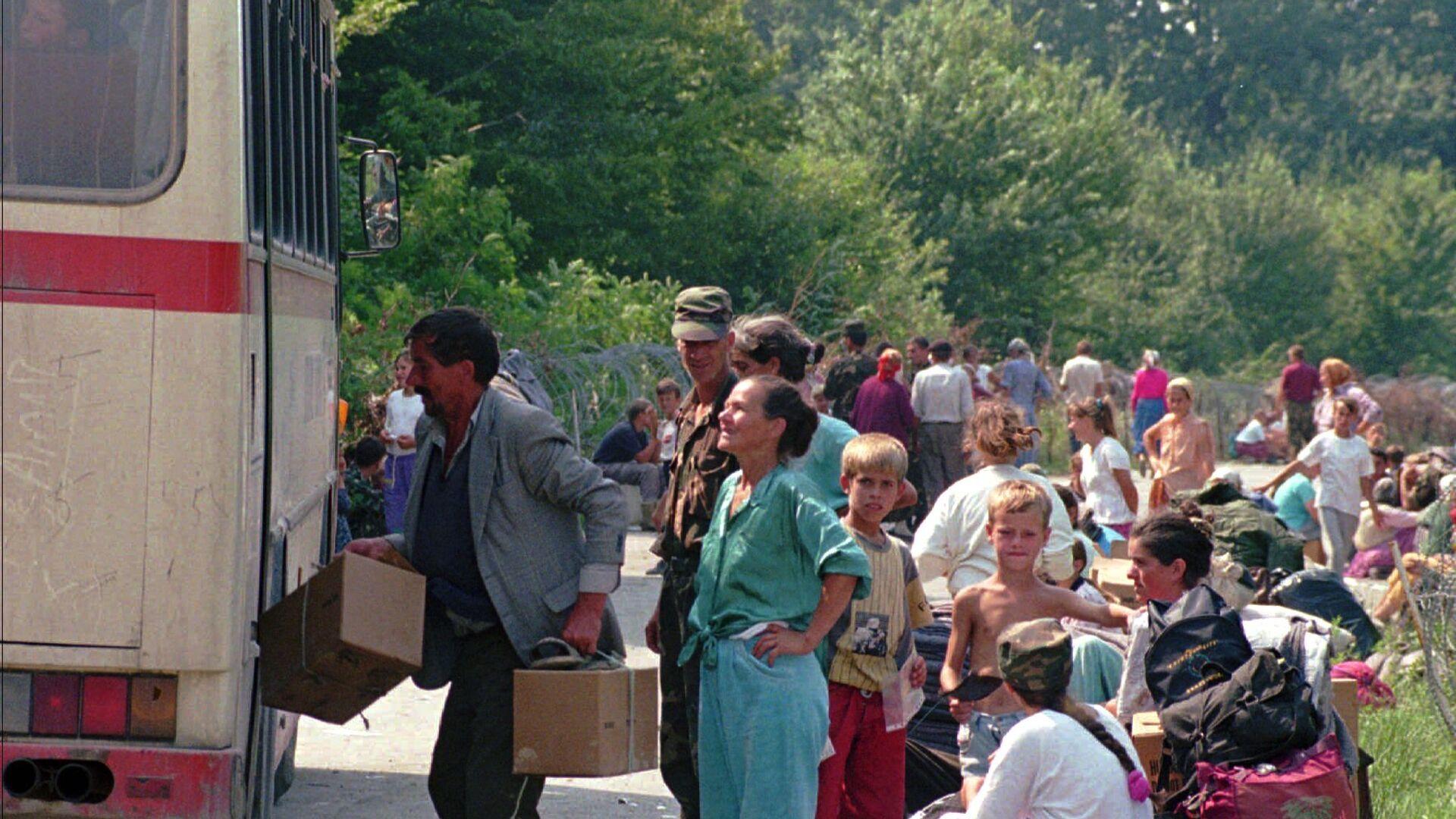 Izbeglice napuštaju Hrvatsku 1995. godine - Sputnik Srbija, 1920, 03.08.2021