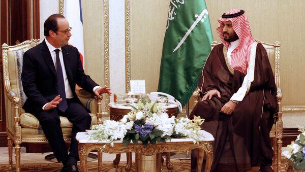 Франсоа Оланд и саудијски министар за одбрану, принц Мухамед бин Салман - Sputnik Србија