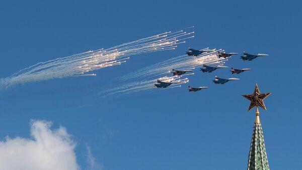 Фотографије које одузимају дах: Припреме руске авијације за Дан победе - Sputnik Србија